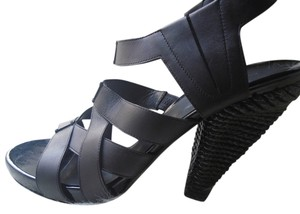 Bottega Veneta Woven Heel Luxury Shoe Black Sandals
