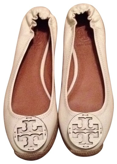 Preload https://item2.tradesy.com/images/tory-burch-white-leather-espadrilles-reva-flats-size-us-85-137131-0-0.jpg?width=440&height=440