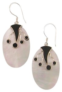 Island Silversmith Island Silversmith Mother of Pearl .925 Sterling Silver Earrings 0201H *FREE SHIPPING*