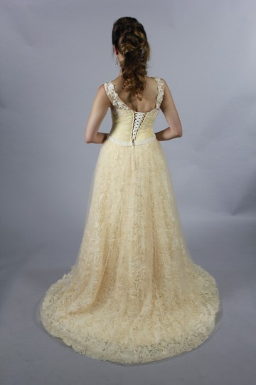 Champagne Lace Satin Handmade 3d Rose Sweetheart Line with Crystal Belt New Design Modern Wedding Dress Size 4 (S)