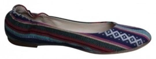 Preload https://item3.tradesy.com/images/mossimo-supply-co-multi-colored-flats-size-us-8-137207-0-0.jpg?width=440&height=440