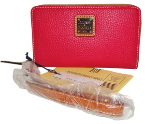 Dooney & Bourke Wallet / Wristlet Organizer Strawberry