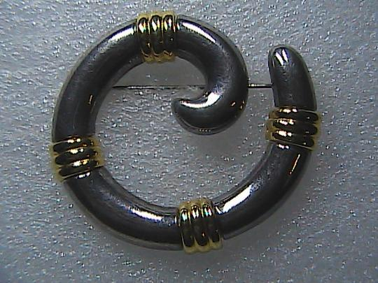 Vintage Gold Tone Circle Swirl Brooch