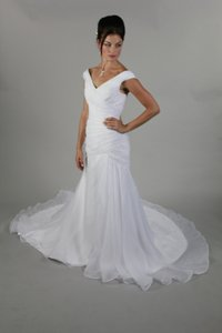 Handmade Simple Elegant Sexy Open V Back Cap Sleeve Organza Short Train Mermaid Wedding Dress Bridal Gown Off Shoulder V Wedding Dress