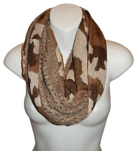 Semi Knit Camouflage Print Infinity Scarf