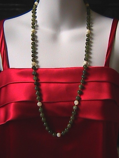 Vintage 14k Yellow Gold Pearl & Jade Necklace