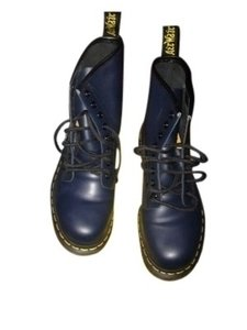 Dr. Martens Name: Marin Style No.: 1460 Description: Leather Navy Blue Boots