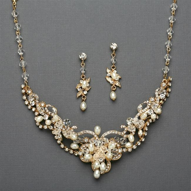 Item - Ivory/Gold Freshwater Pearl Crystal Necklace and Earrings 4061s-i-g Jewelry Set