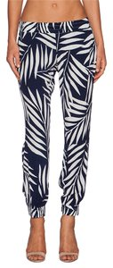 Monrow Palm Print Palm Navy And Cream Capri/Cropped Pants Bone