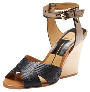 Dolce Vita Black and gold Wedges