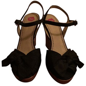 BP. Clothing Wedges