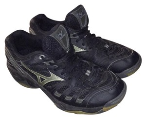 Mizuno Black, silver accents Athletic
