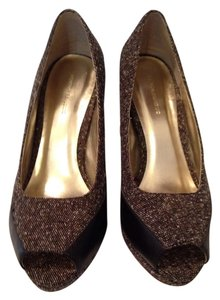 Banana Republic Brown Tweed Pumps