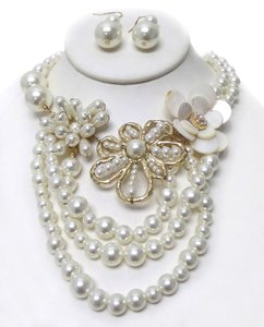 unknown Three Layer Pearl Strand Necklace Set