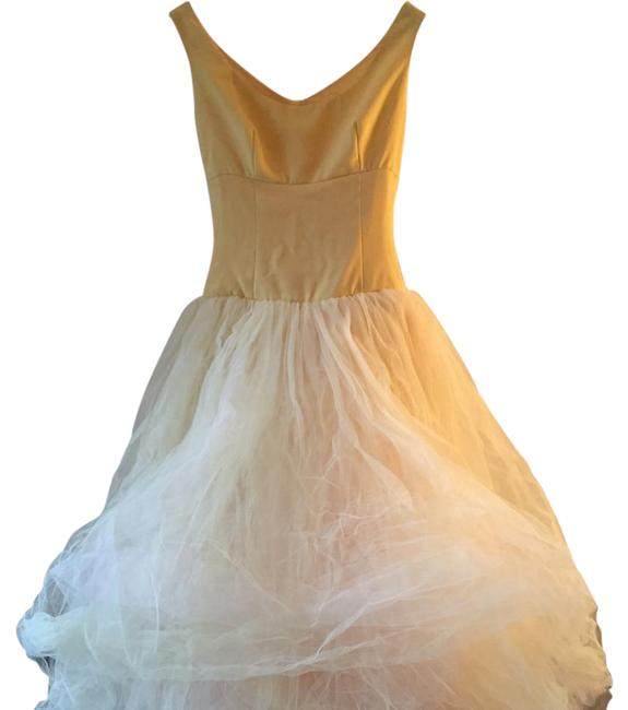 Item - Yellow with Light Pink Tulle And Gown. Excellent For Or Prom. Feminine Wedding Dress Size 6 (S)