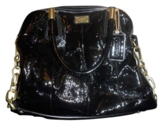 Preload https://img-static.tradesy.com/item/137451/coach-handbag-black-patent-leather-shoulder-bag-0-0-540-540.jpg
