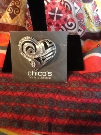 Chico's Pin
