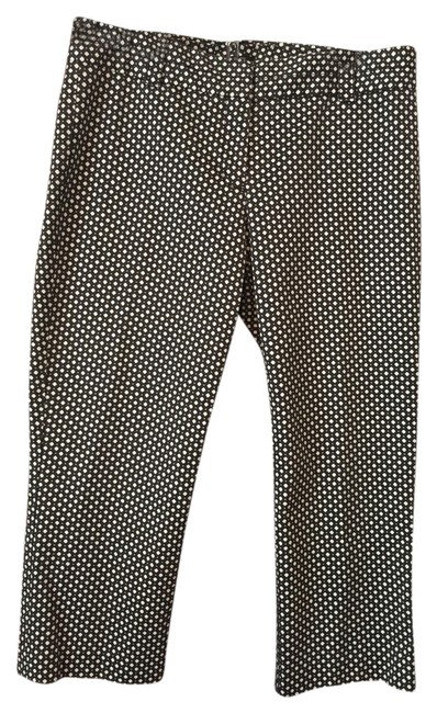 Item - Black and White City Fit 97% Cotton with 3% Spandex Capris Size 10 (M, 31)