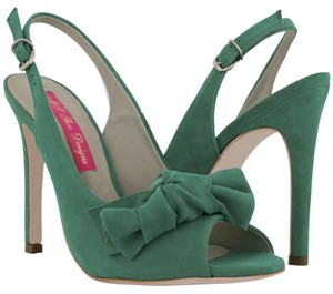 MS Shoe Designs Emerald Pumps
