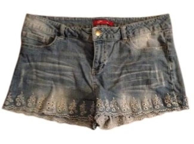 Preload https://item5.tradesy.com/images/forever-21-blue-distressed-denim-medium-washed-eyelet-embroidered-minishort-shorts-size-10-m-31-137529-0-0.jpg?width=400&height=650