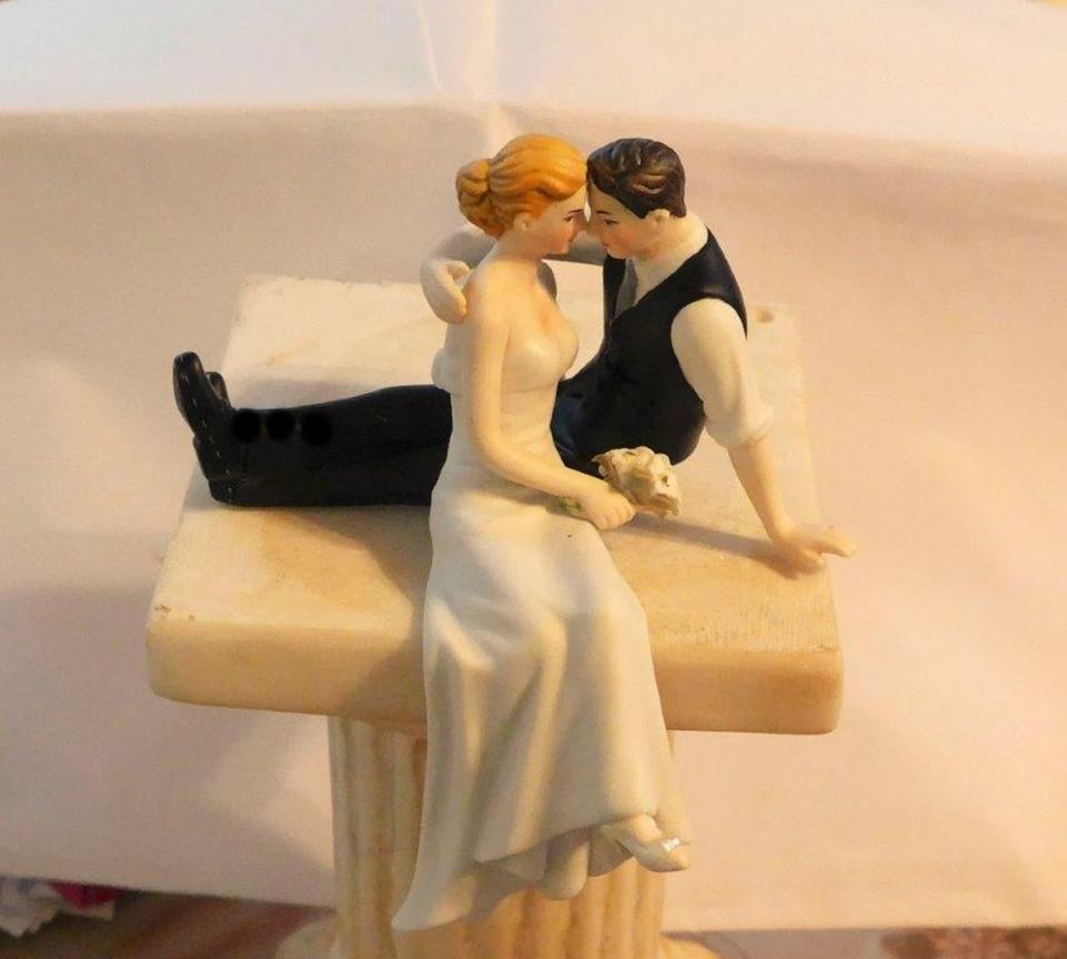 Multi Color Sitting Relaxed Couple Caught In A Romantic Moment Cake ...