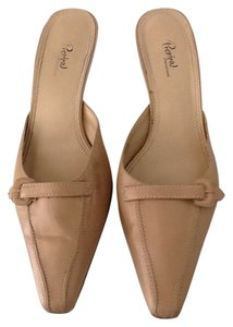 "Preview International 1"" Heel Closed Toe Color Nude Mules"