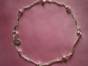 Preload https://item1.tradesy.com/images/claire-s-like-new-silvertone-chain-and-beads-bracelet-137570-0-0.jpg?width=440&height=440