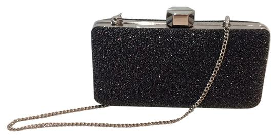 Preload https://img-static.tradesy.com/item/13757071/milly-sparkle-silver-chain-black-clutch-0-1-540-540.jpg