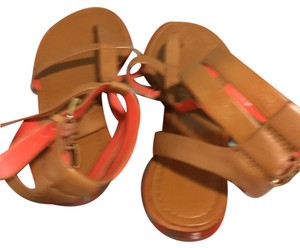 Banana Republic Tan with orange border Sandals