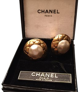 Chanel Chanel Faux Pearl And Gold Clip On Earrings