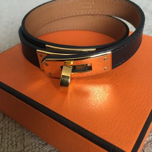 Hermès Hermes Kelly Double Tour Bracelet. Black with Gold Hardware. Size M