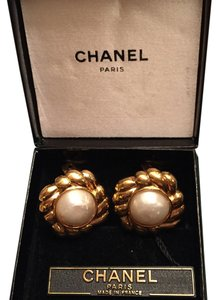 Chanel Chanel Scalloped Faux Earring
