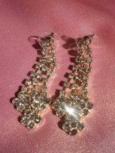 Like New Rhinestone pierced earrings