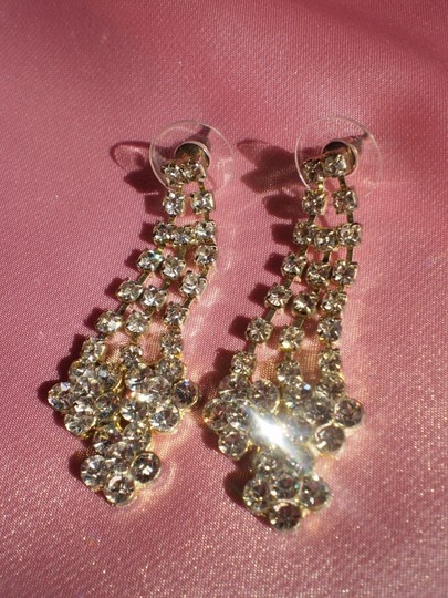 Preload https://item4.tradesy.com/images/like-new-rhinestone-pierced-earrings-137618-0-0.jpg?width=440&height=440