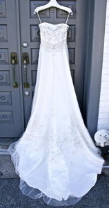 Casablanca White 1936 with Double Layer Veil Formal Wedding Dress Size 4 (S)