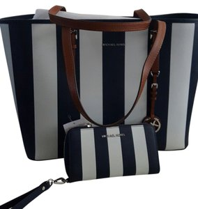 Michael Kors Tote in Navy blue/white