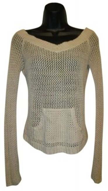 Preload https://img-static.tradesy.com/item/137692/abercrombie-and-fitch-cream-sweaterpullover-size-8-m-0-0-650-650.jpg