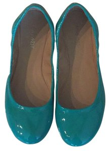 Nine West Patent Green Flats