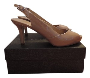 Via Spiga Natural Pumps