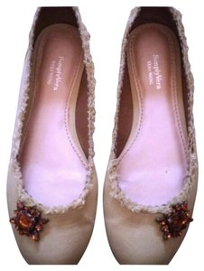 Simply Vera Vera Wang Light Brown Rhinestones Green Flats