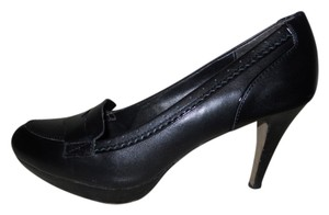 Adrienne Vittadini Porter Leather black Pumps