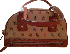 Dooney & Bourke Tote in Multicolored