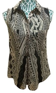 BCBGMAXAZRIA Max Azria Shirt Geometric Azrec Chiffon Sleeveless Buttoned Boho Bohemian Indie Chic Elegant Cute Fab Women Ladies Top Brown & Ivory Tribal Print