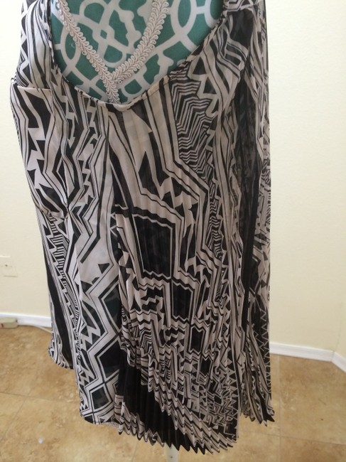 BCBGMAXAZRIA Max Azria Shirt Geometric Azrec Chiffon Sleeveless Buttoned Boho Bohemian Indie Chic Elegant Cute Pretty Fab Women Top Brown & Ivory Tribal Print