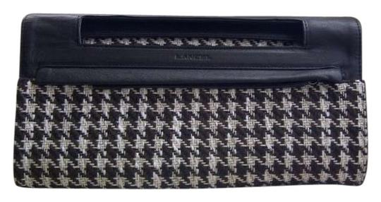 Preload https://img-static.tradesy.com/item/137855/lancel-houndstooth-black-brown-ivory-wool-and-leather-clutch-0-0-540-540.jpg