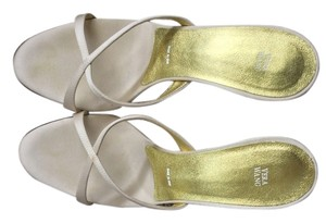 Vera Wang Gold Heel Ivory Satin Size 37 Dyeable White Formal