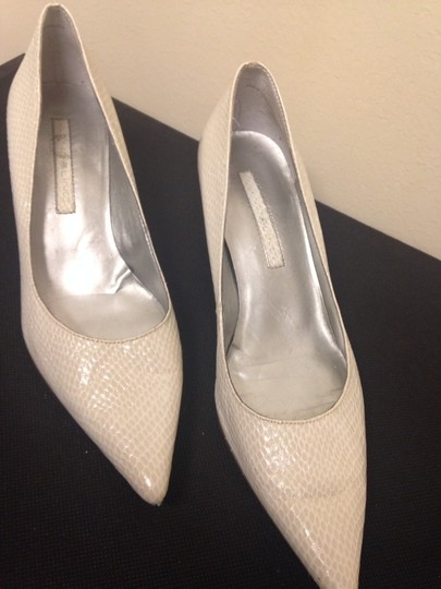 Bandolino Cream Pumps