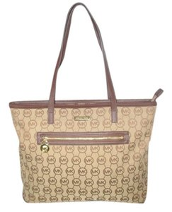 Michael Kors Next Day Shipping Tote in Beige / Brown / Mocha