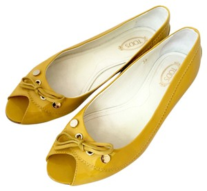 Tod's Open Toe Flat Patent Leather Yellow Flats