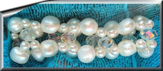 Miraculous Besds Freshwater Pearl and Swarovski Bracelet Size 7-8